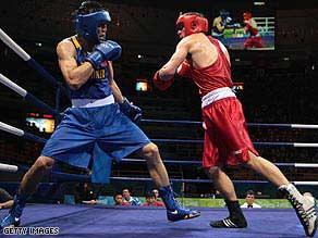 为什么奥林匹克拳手在场上总是跳来跳去的?